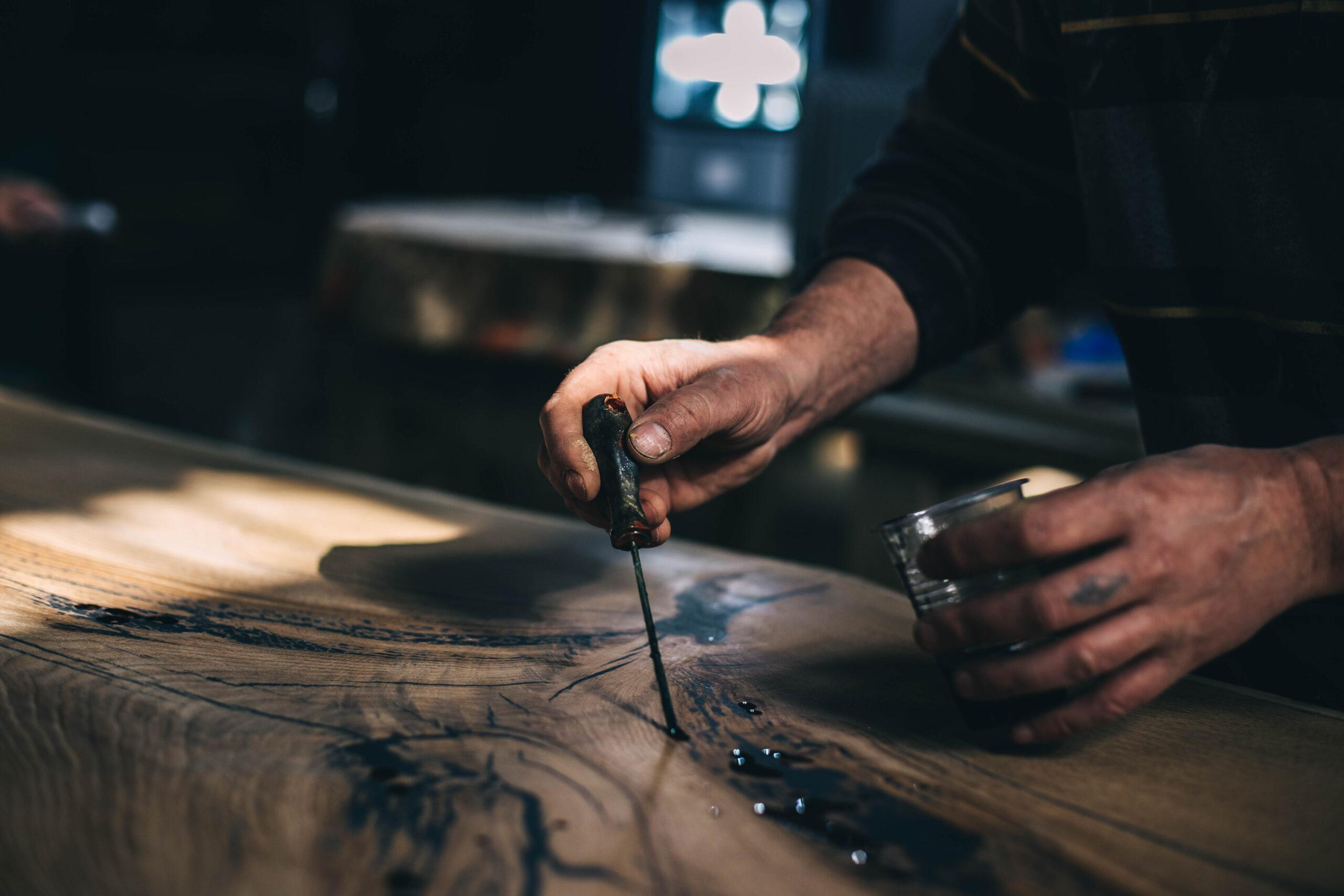 Poradnik. jak zrobić stół z żywicy epoksydowej