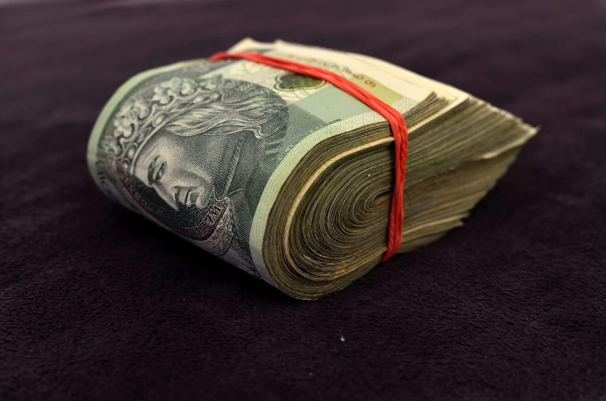 Koszt zakupu stołu epoksydowego. Analiza podstawowych wydatków.