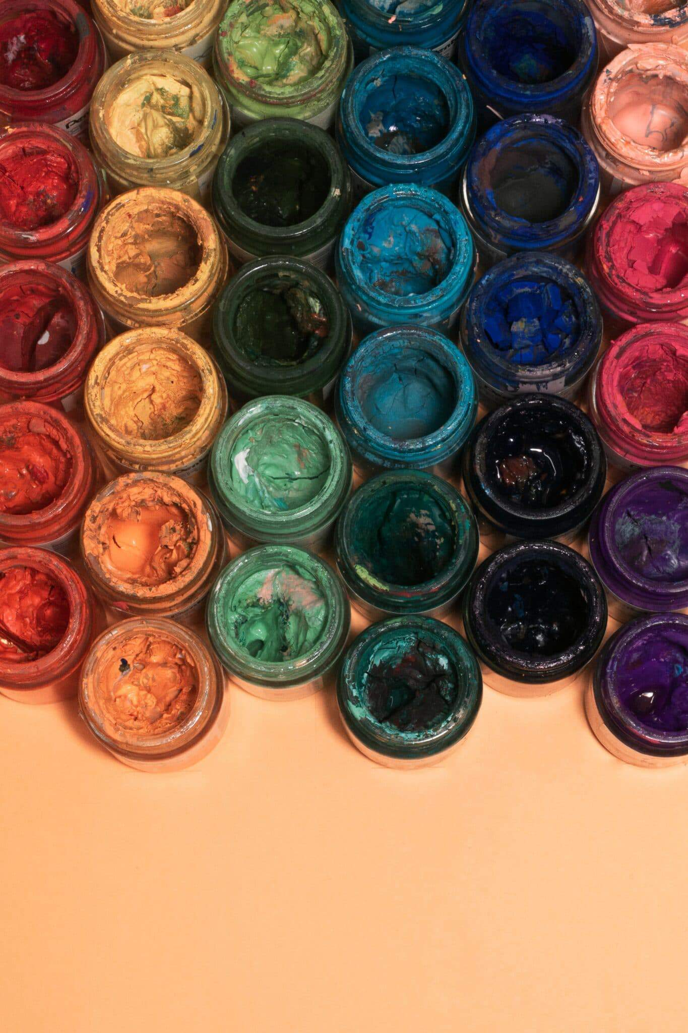 Barwnik w proszku, w płynie, czy w formie pasty. Który najlepszy?